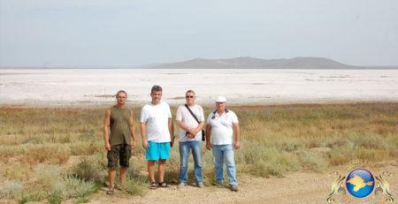 Сотрудники ГГРЭС и «Новый Крым» на берегу озера Узунлар